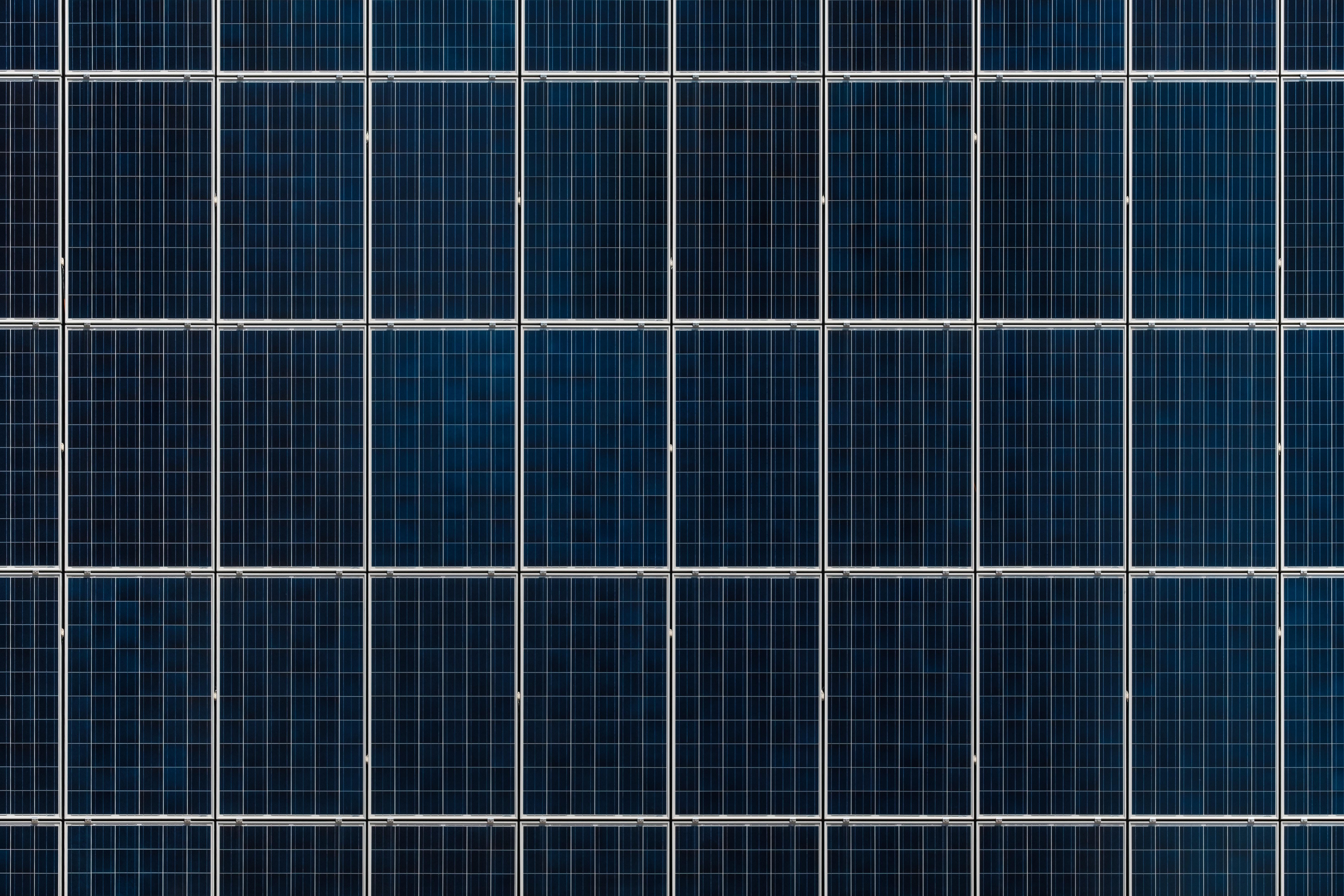 'In 2020 minstens 50 procent van de schooldaken voorzien van zonnepanelen' Jobs in Energy nieuws